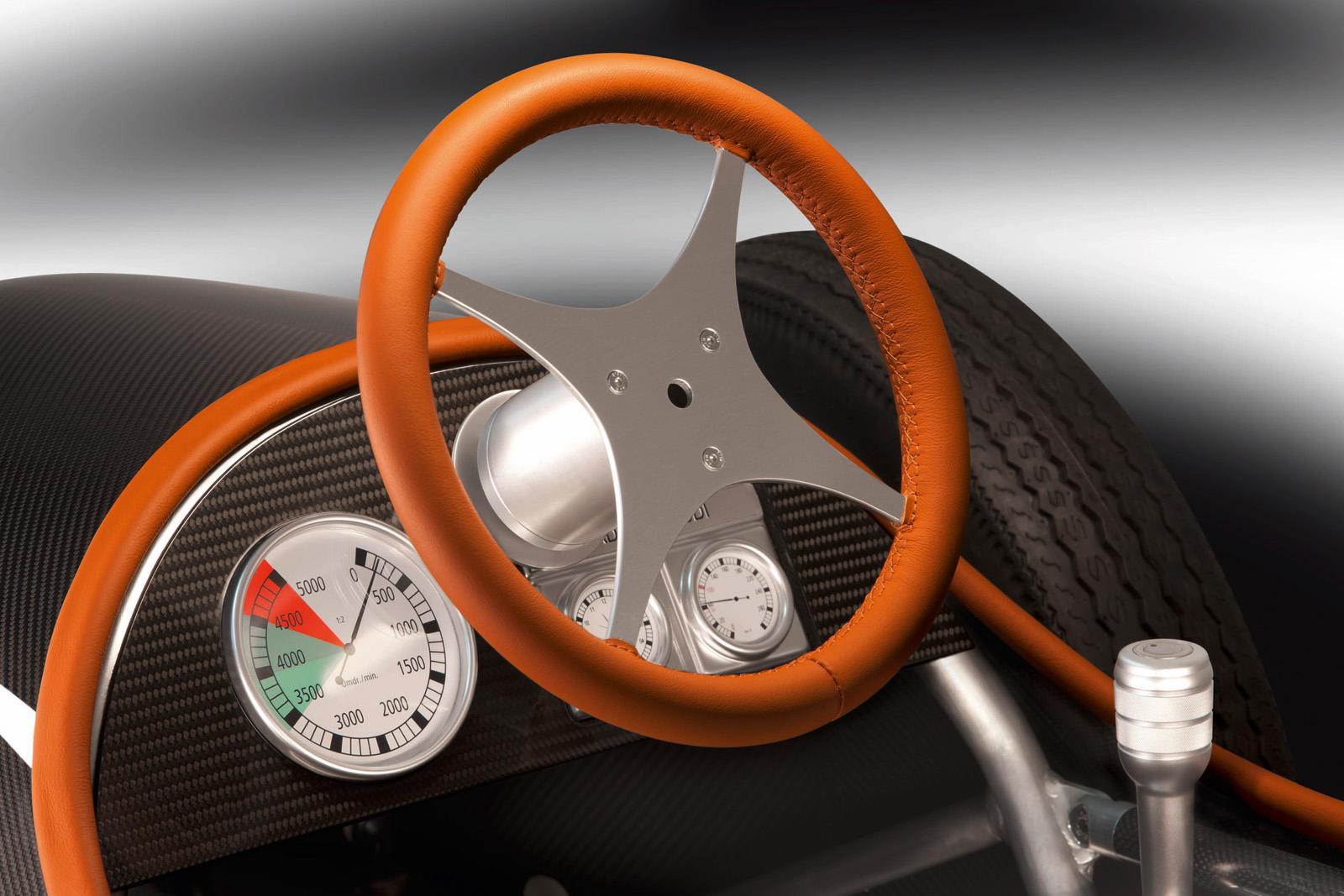 1295608938_audi2be-tron2bscale2bmodel2b3 Масштабная игрушка от Audi – Auto Union Type C e-tron!