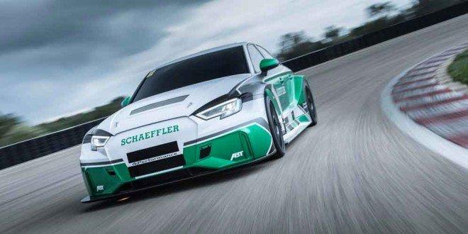 Седан Audi RS3 с двигателем от гоночных спорткаров