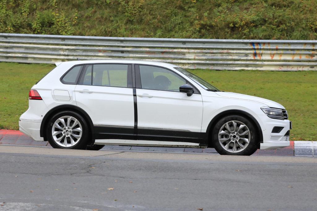 skoda-vision-e-mule-005-1024x683-1 Объявлено имя первого электрокроссовера Škoda
