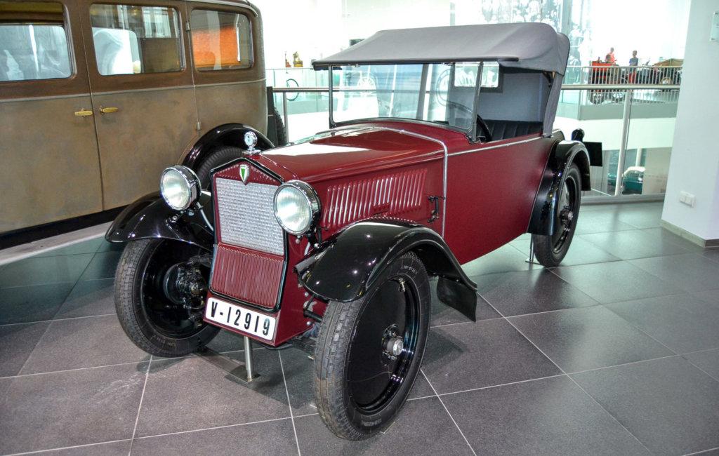 audi8-1024x650 Автомобильный музей Audi в Ингольштадте!